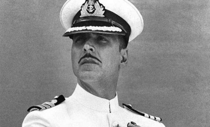 first look akshay kumar looks stunning as navy officer in
