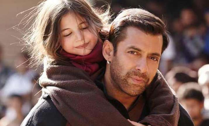 awww so cute salman lovingly calls little harshaali pagal