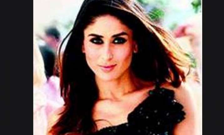 kareena to mother 8 year old in ra.one