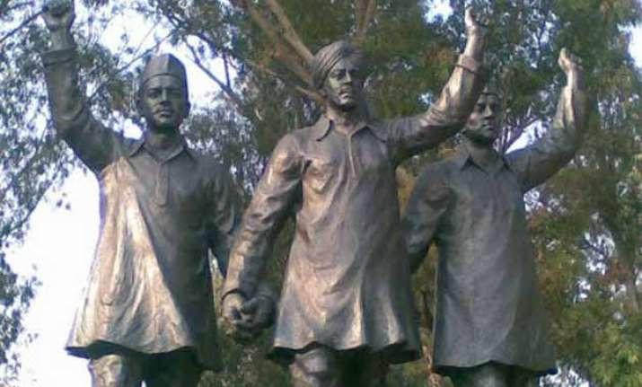 heroes forever b town on bhagat singh sukhdev rajguru