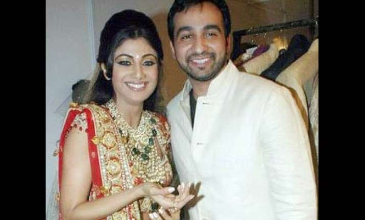 raj kundra to take shilpa and family for a mediterranean