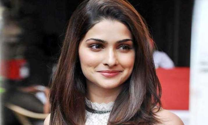 prachi desai wants to do a love story