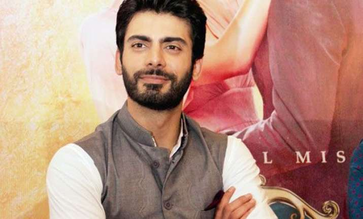 fawad khan to play pakistani singer alamgir in albela rahi