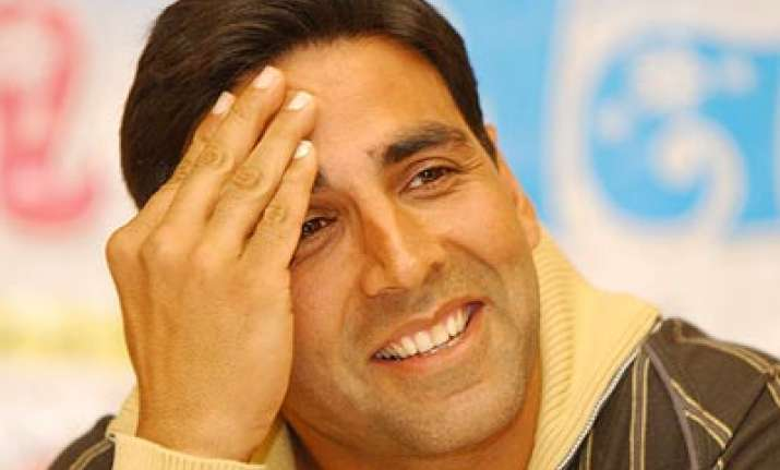 akshay plays host to canada india pms