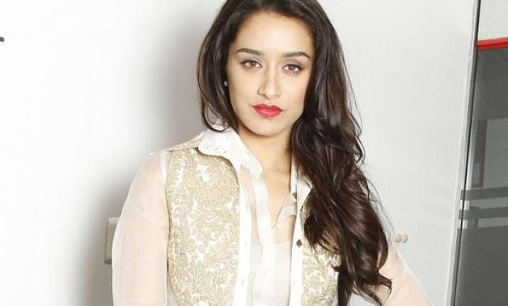 am comfortable being clicked without make up shraddha kapoor