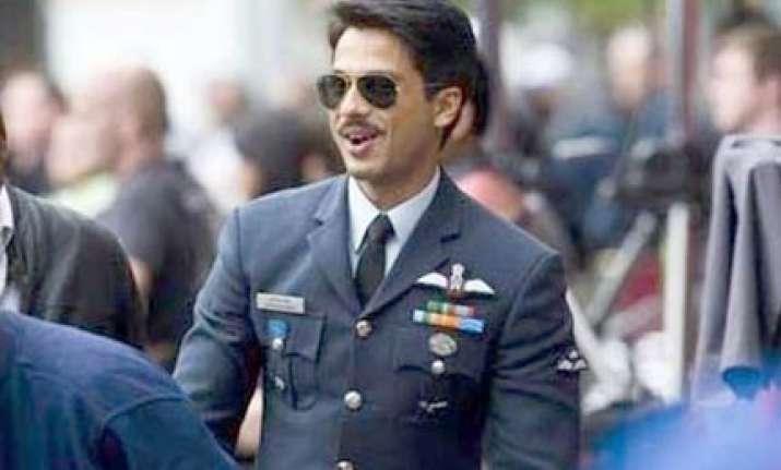 shahid plays iaf pilot in mausam
