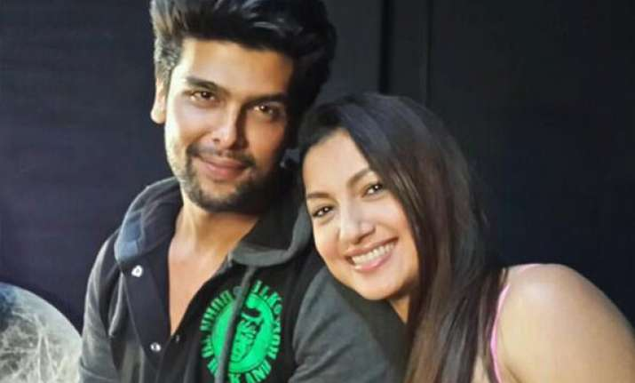 kushal tandon gauahar khan split kushal announces on twitter