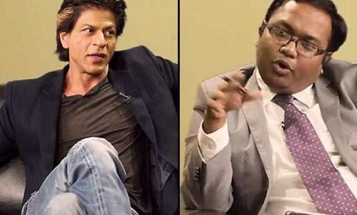 watch out shah rukh khan on barely speaking with arnub