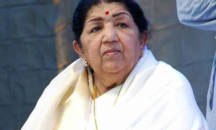 lata mangeshkar hope listeners like mein hawaa