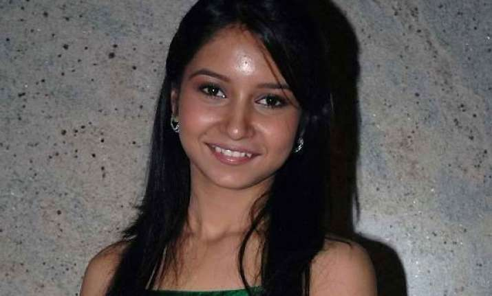 actress vinny arora gets too excited to work in yeh hai