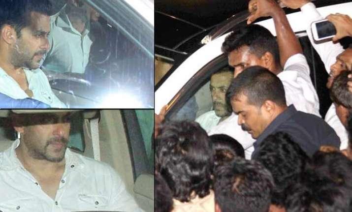 salman khan returns home rani sonakshi preity flock actor s