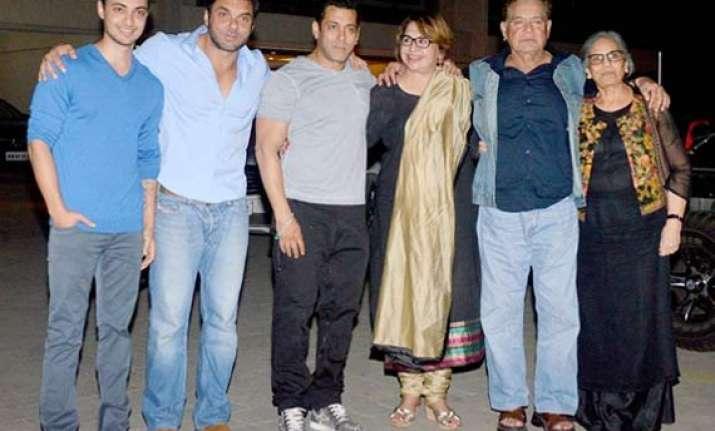 salman khan and family celebrates salma s birthday at