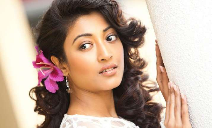 paoli dam makes bollywood comeback in film with bold