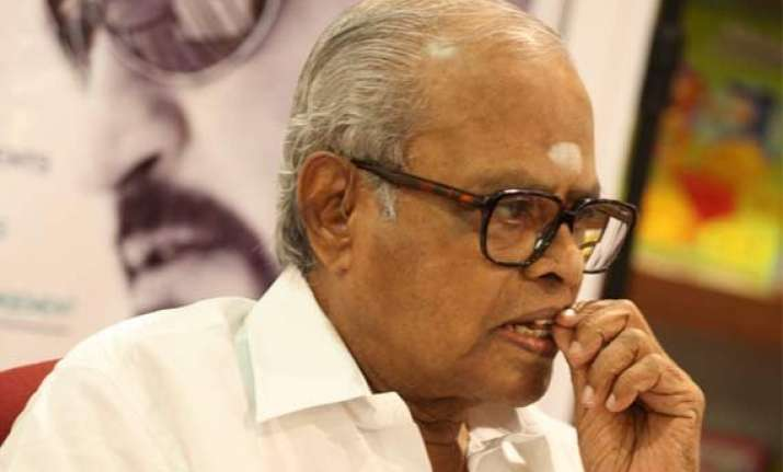 balachander showing signs of improvement actor vivekh