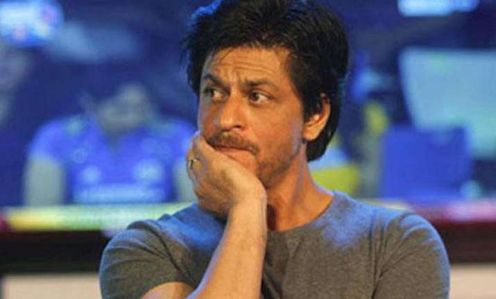does shah rukh khan cry in shower to overcome the failure