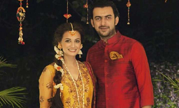 dia mirza sahil sangha wedding set for the d day dia looks