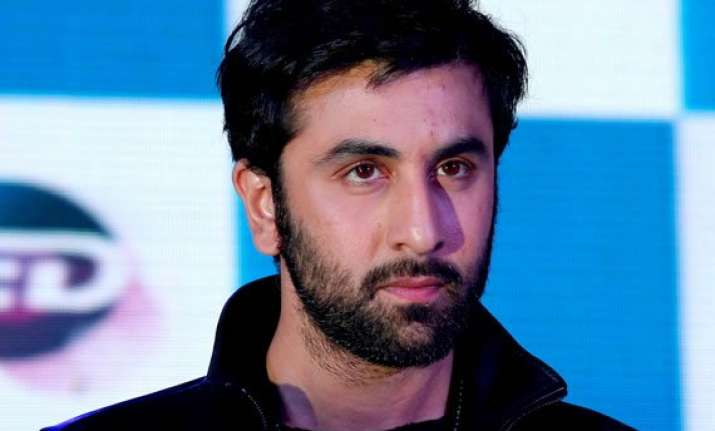 ranbir kapoor discharged from hospiral after minor surgery