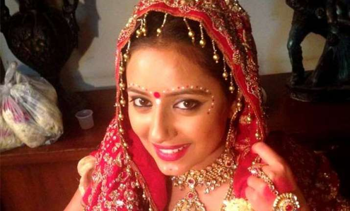 pratyusha banerjee happy be a bengali bride on tv
