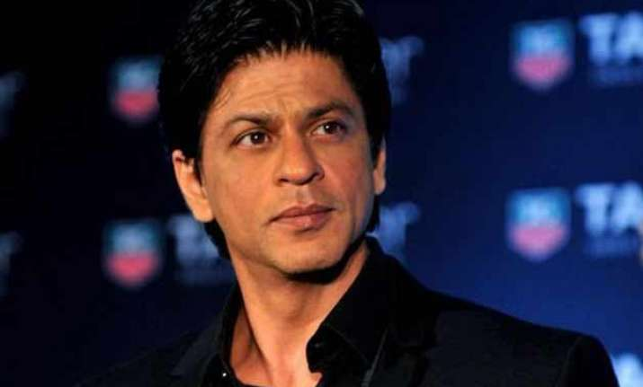 shah rukh khan pays rs 1.93 lakh to bmc for demolition of