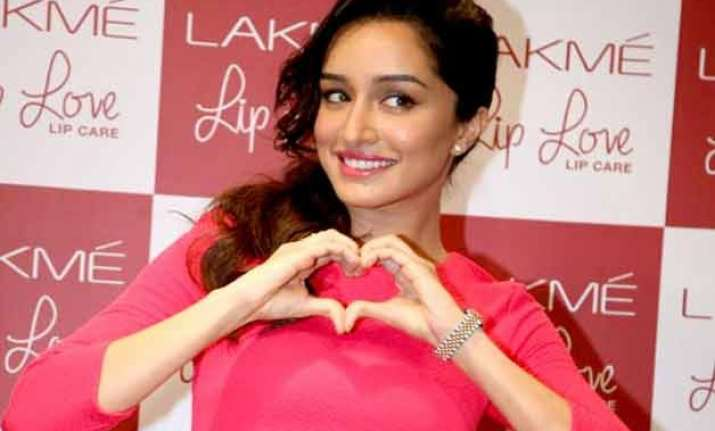 excited shraddha launches lakme s makeup pro app