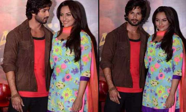 is something brewing between sonakshi and shahid view pics