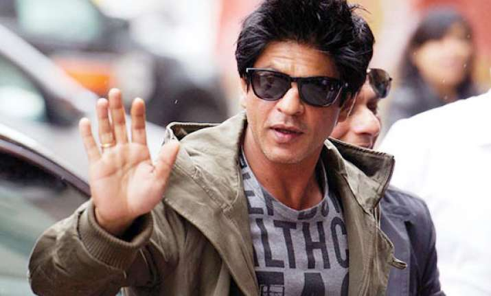 it s lonely at the top says shahrukh khan