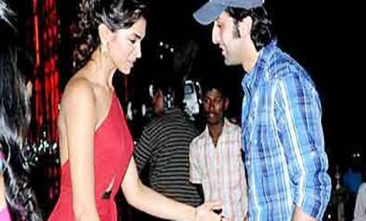 jab they met ranbir deepika at a film screening