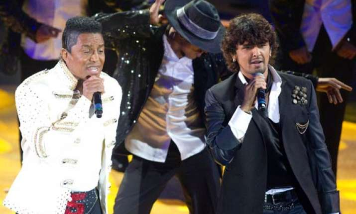 jermaine pays tribute to mj at iifa