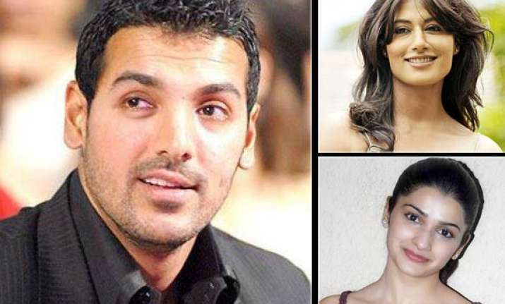 john to star with five actresses in i me aur main