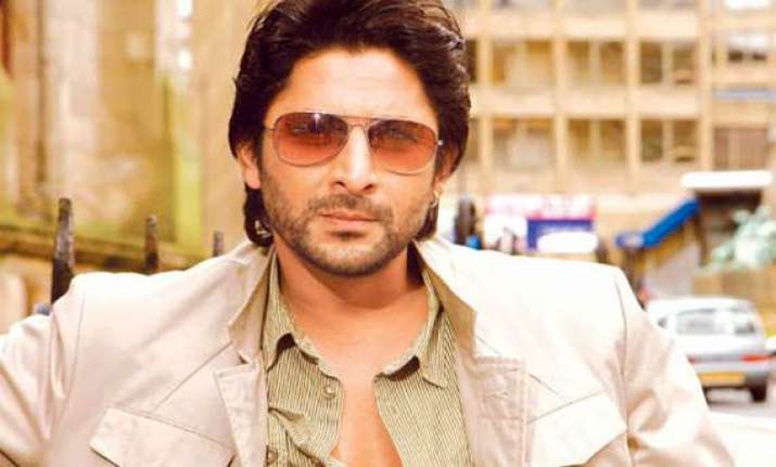 jolly llb arshad goes to courts to learn lawyer s role
