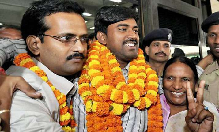 kbc winner sushil kumar finally gets his rs 5 crore jackpot