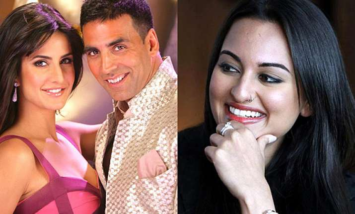 not sonakshi but katrina to romance akshay in singh is bling