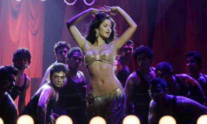 katrina does item song in bodyguard for atul and alvira