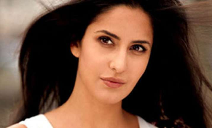 katrina keeping fingers crossed for jthj