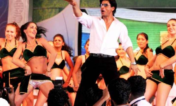 kerala police registers case against shah rukh khan