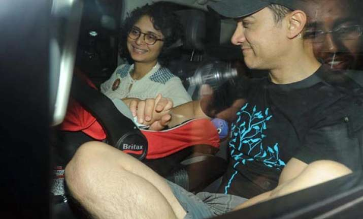 kiran is a hands on mother says aamir khan