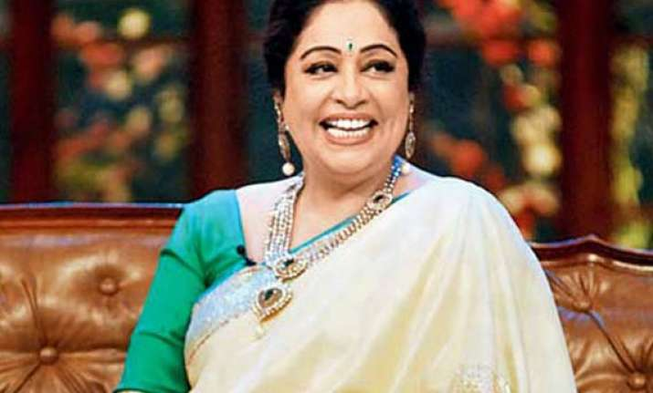 kirron kher unveils gaurang shah s heritage collection