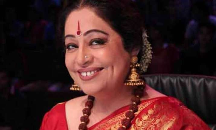 kirron kher wants film aspirants from ne india to learn