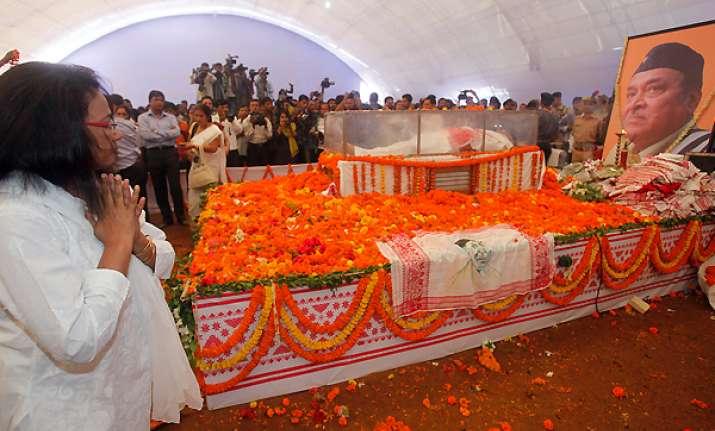 lakhs attend bhupen hazarika s funeral