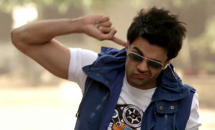laugh out loud with manish paul again