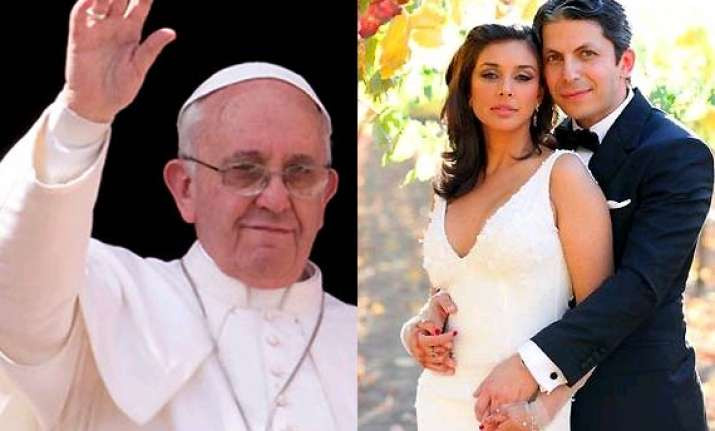 actress lisa ray excited to meet the pope at vatican today