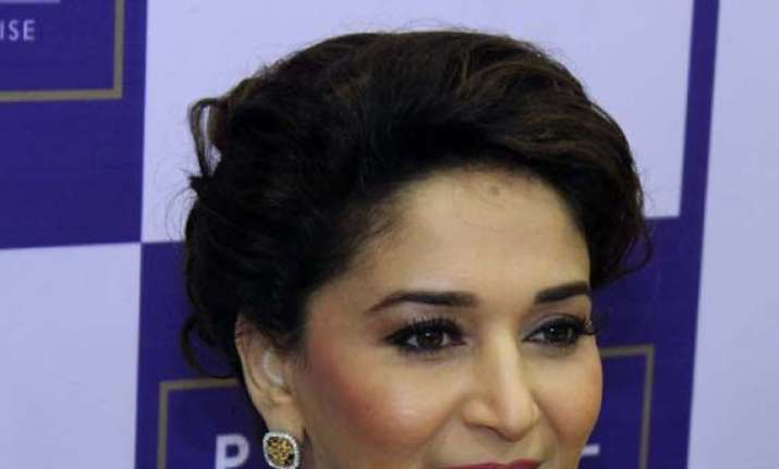 why was madhuri dixit asked to leave vip lounge