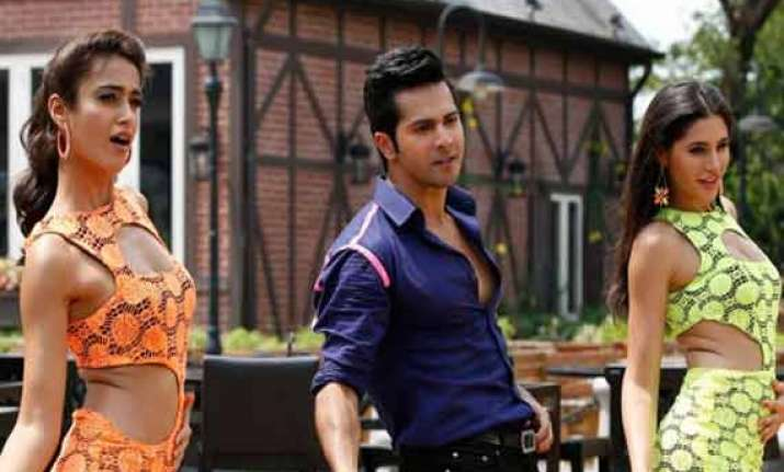 main tera hero going strong in weekdays collects rs 26.93