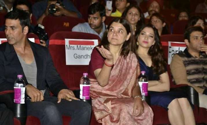 maneka gandhi unveils it s entertainment trailer