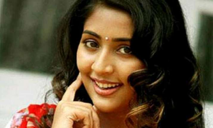 marriage and family kept navya nair away from films