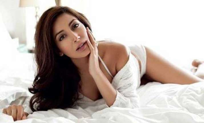 monica dogra to compose her first bollywood track