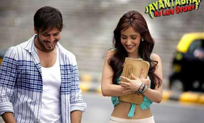 movie review jayantabhai ki luv story light and frothy rom