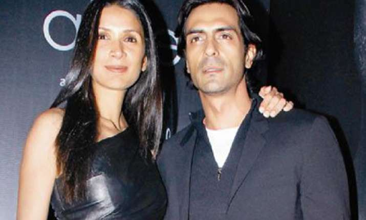 my wife doesn t worry about intimate scenes arjun rampal