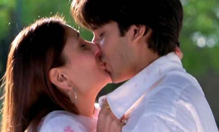 Bollywood hot kissing video