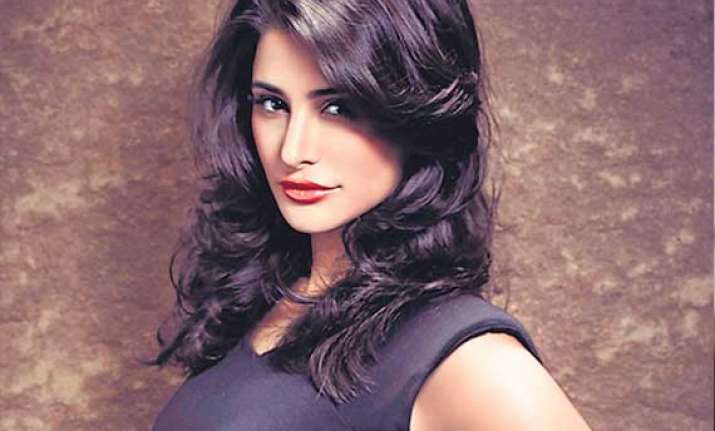 nargis fakhri gets clicked with 50 cent